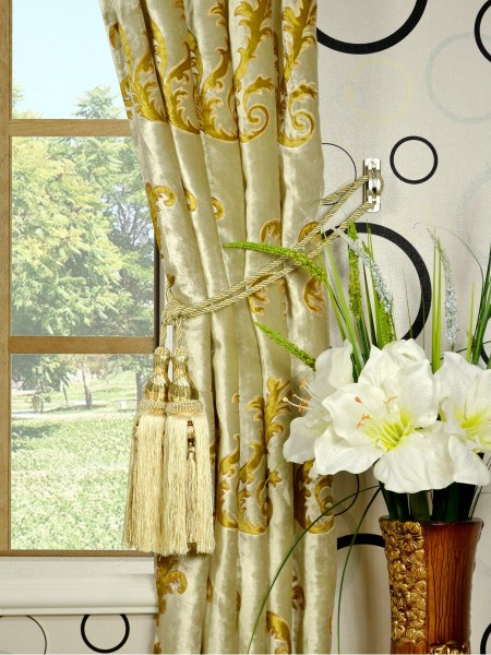 Hebe Mid-scale Scrolls Single Pinch Pleat Velvet Curtains Tassel Tiebacks